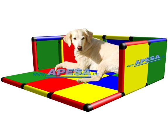Hundeliegeplatz mit Windschutz 125 x 125 cm